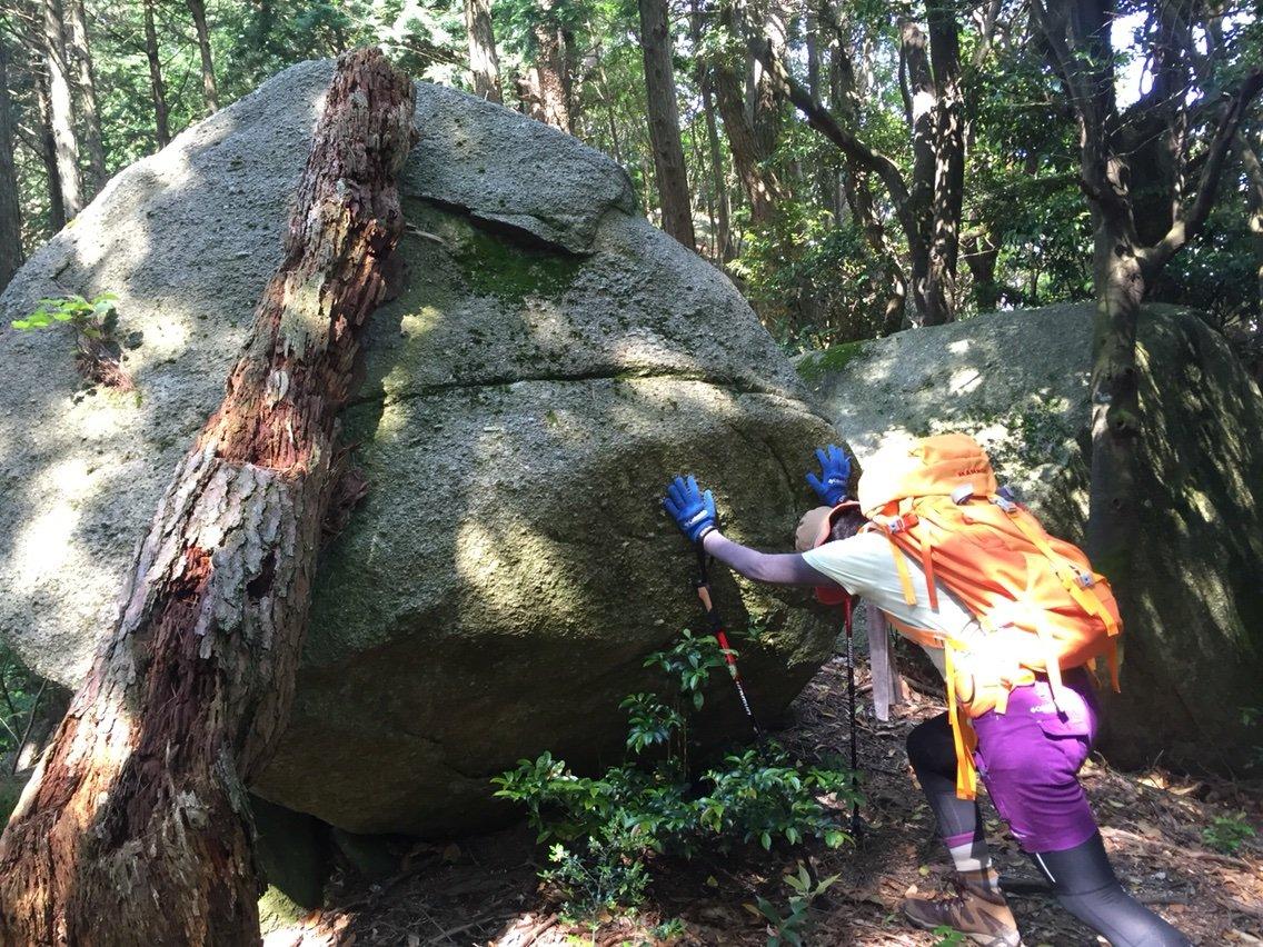 大岩がゴロゴロ