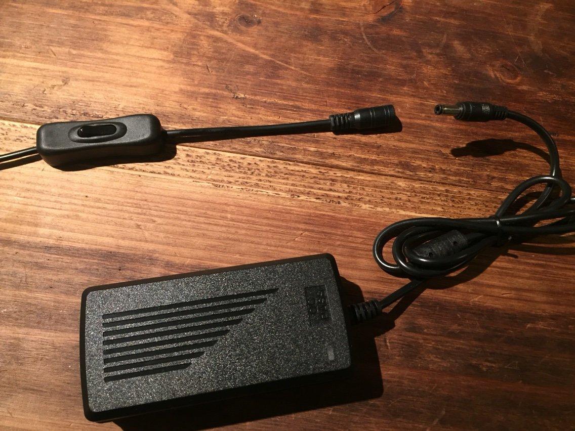 スイッチとアダプタを接続