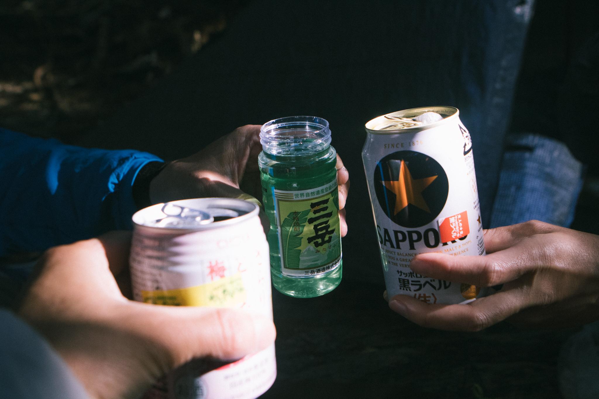 淀川小屋テン場で乾杯