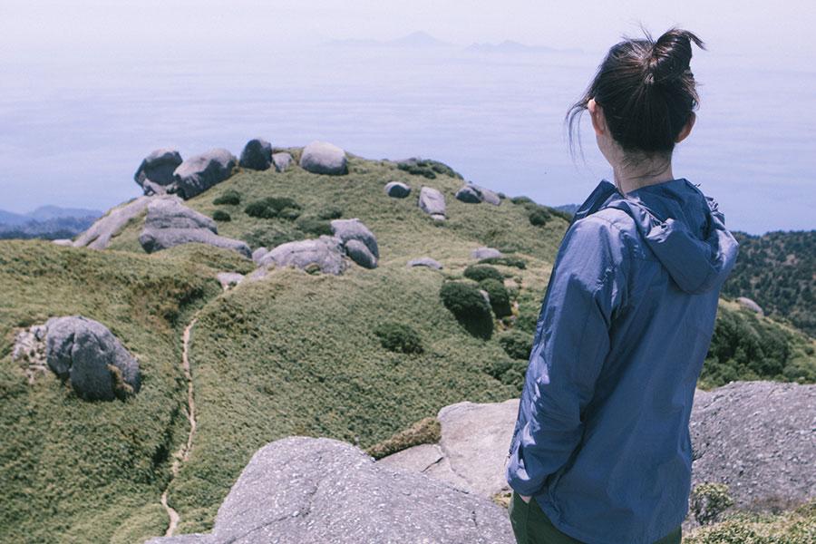 永田岳から西南方面の眺望