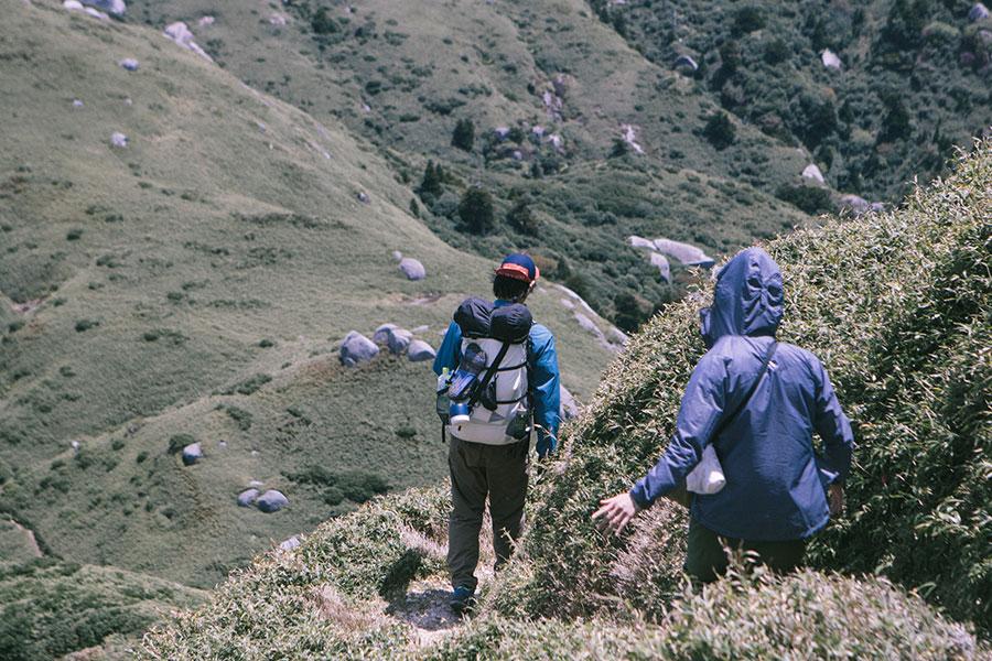 永田岳からの下山道