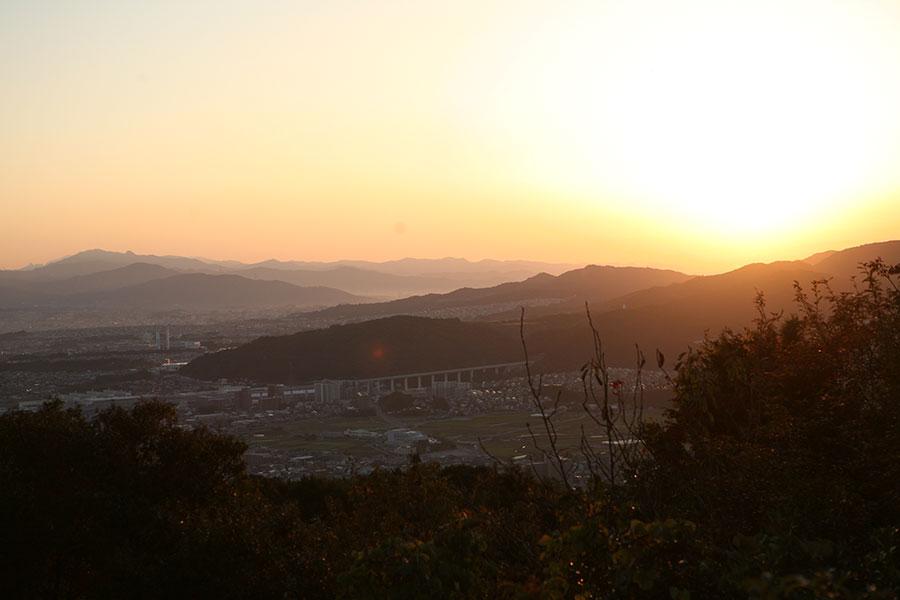 片縄山からのご来光1