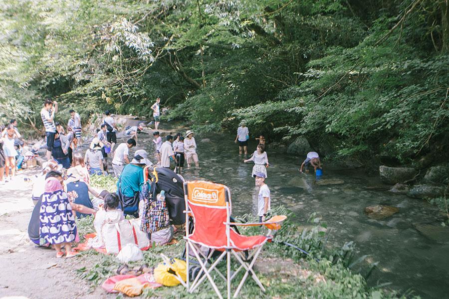 渓谷に入って最初の川遊びスポット