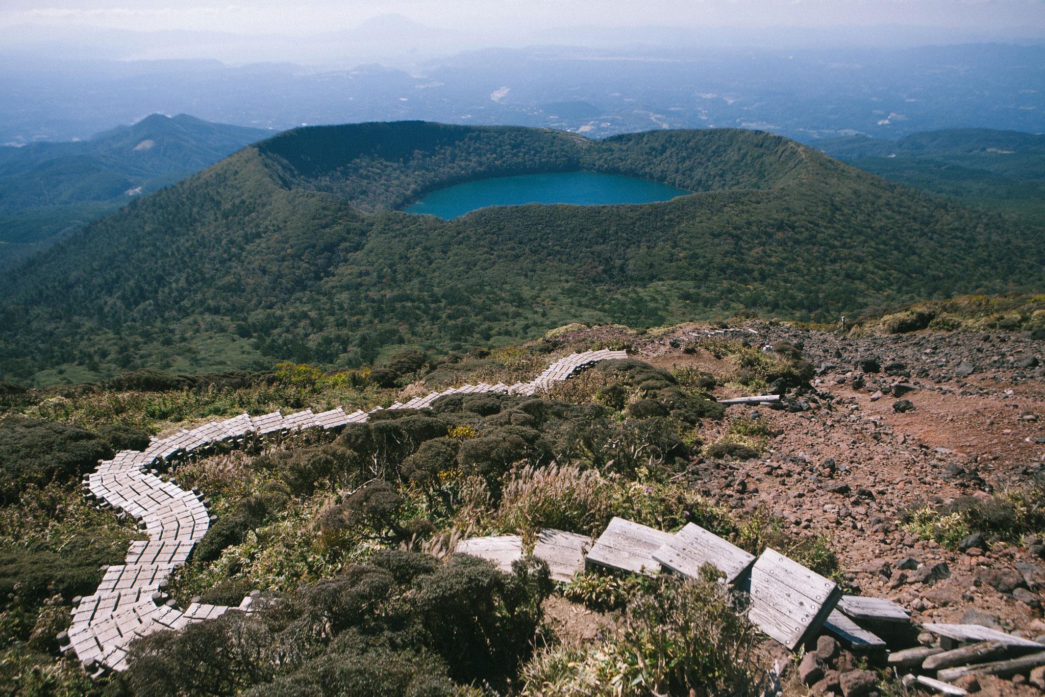 韓国岳の木道と大浪池