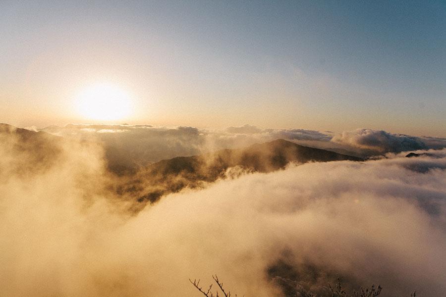祖母山山頂から望む2019年の初日の出