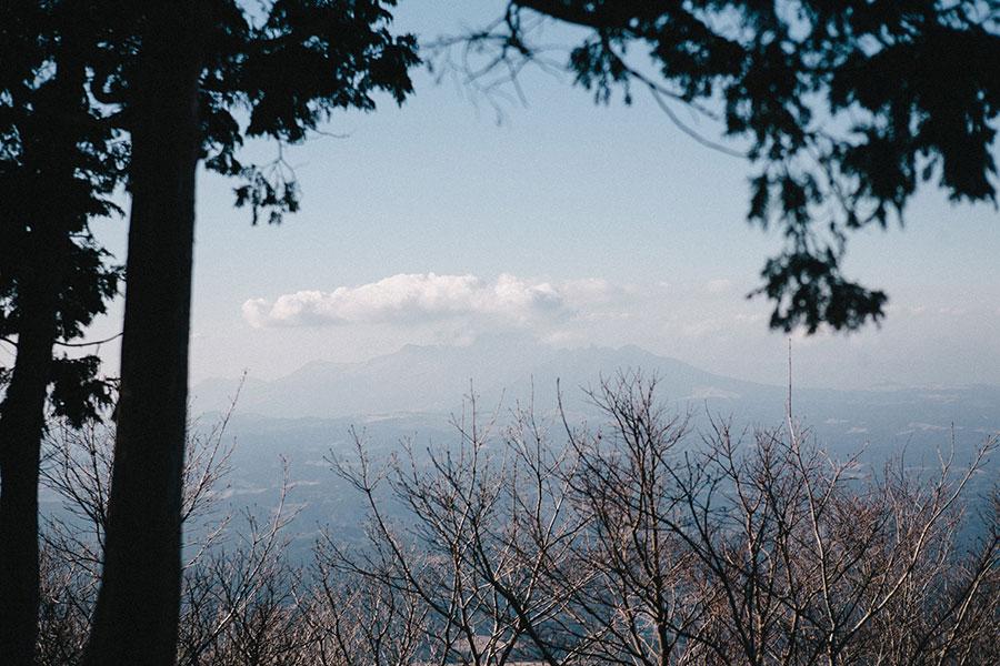5合目手前の展望所から望む阿蘇山
