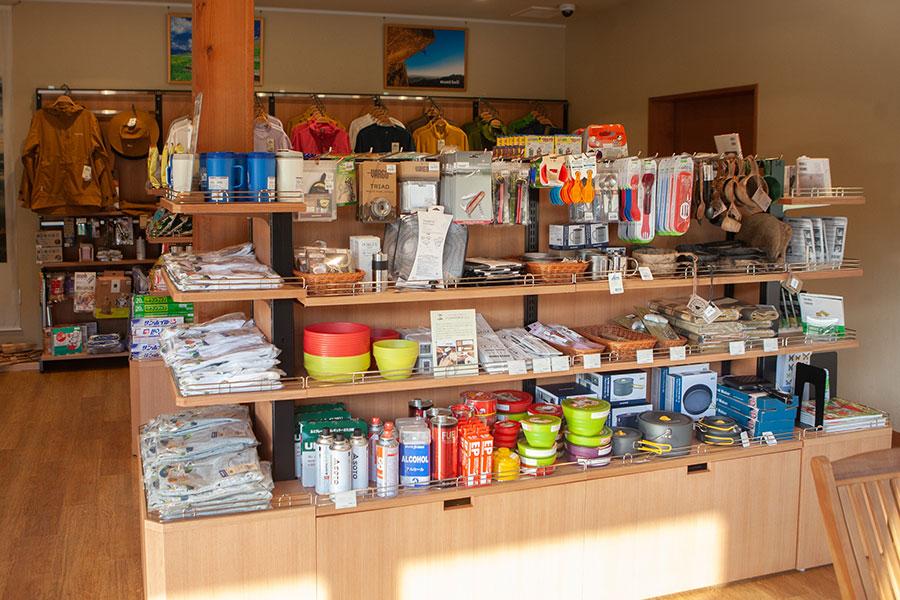 売店の調理関連コーナー
