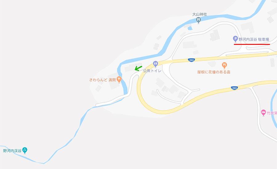 駐車場と入口付近のマップ