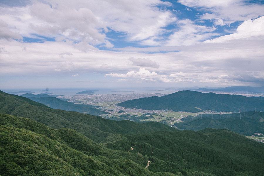 鬼ヶ鼻岩からの福岡市の眺望