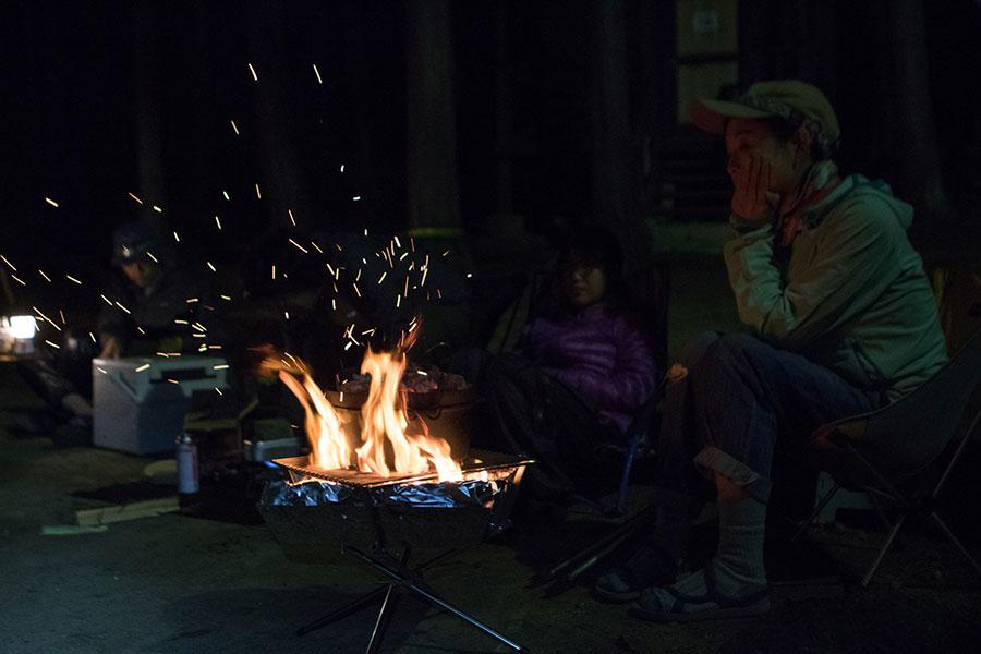 焚き火を眺める時間