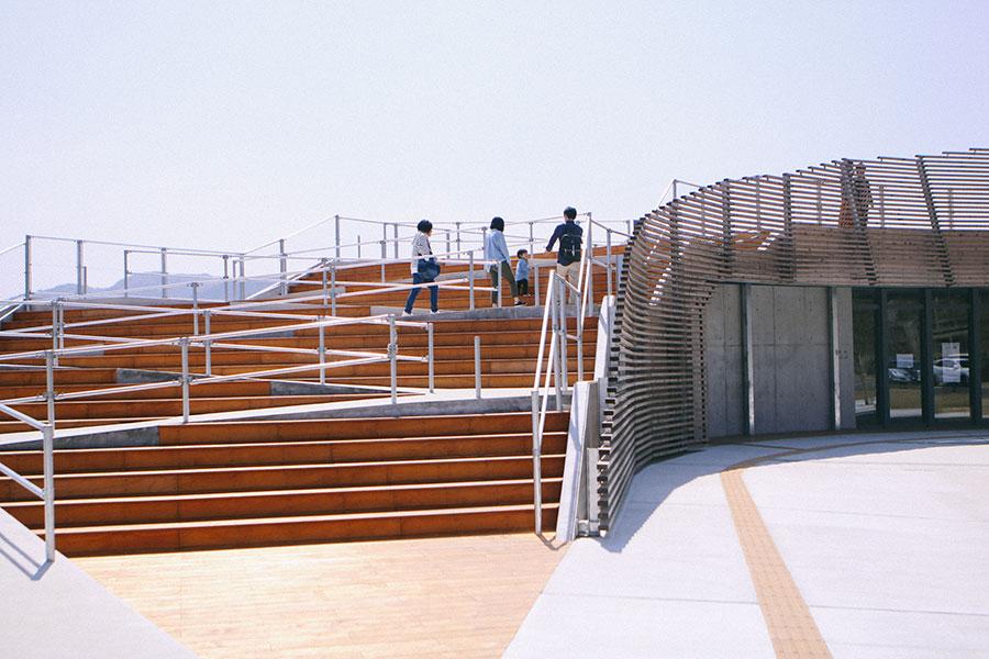 展望デッキへのアプローチ(階段)