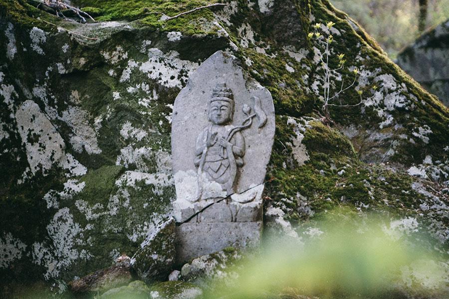 鍋割坂の石仏