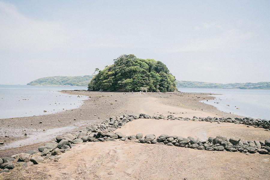 日本のモンサンミシェルと呼ばれる小島神社