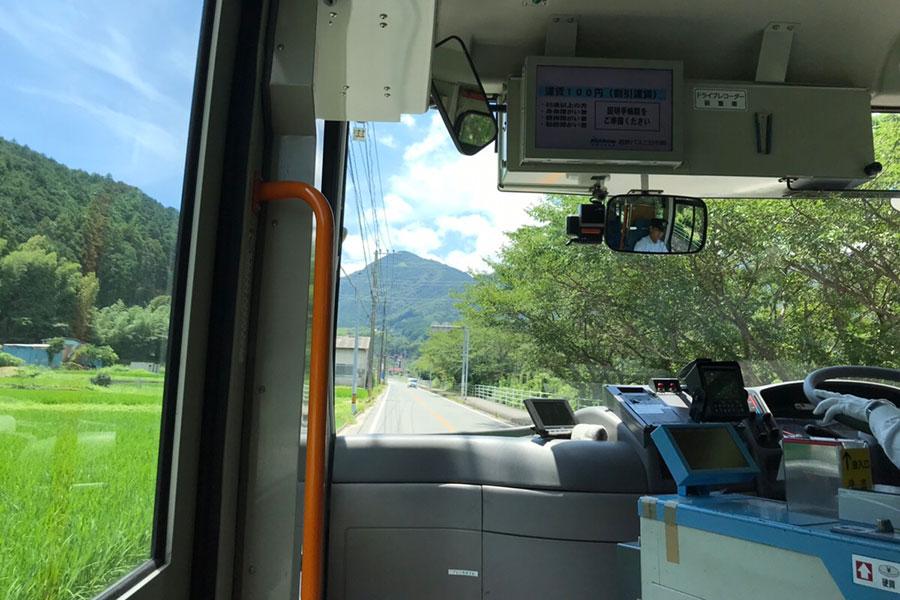 南畑線を走るかわせみバス